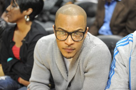 T.I.-attends-Heat-vs-Hawks-October-21-2010-Atlanta-450x299